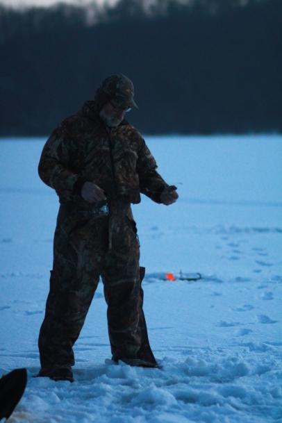 Icefishing-12
