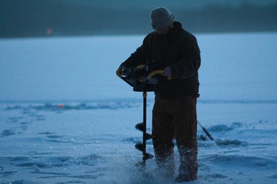 Icefishing-13
