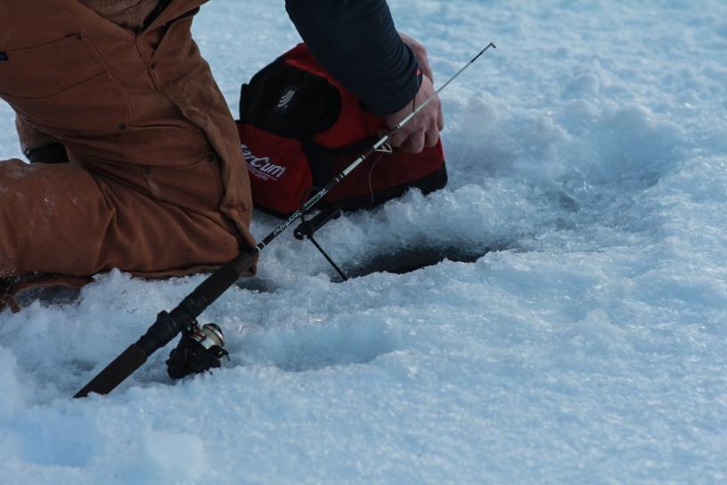 Icefishing-4